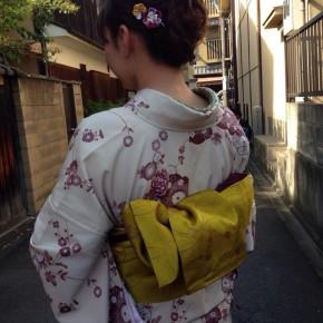 【京都つまみ細工体験レッスン】お着物姿の美しいお客様のお写真☆